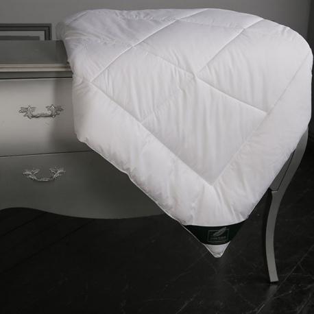 Одеяло легкое Flaum Mais