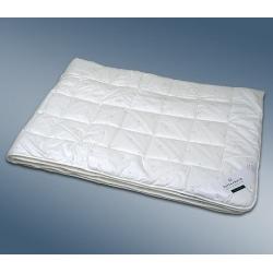 Одеяло с синтетическим наполнителем Кинг летнее - King Superlight (Германия)